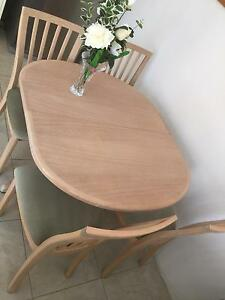 Quality Extendable Dining Table + 4 chairs West Leederville Cambridge Area Preview