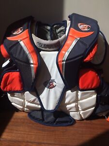 VAUGHN 7300 VELOCITY 3 GOALIE CHEST & ARMS INTERMEDIATE XL