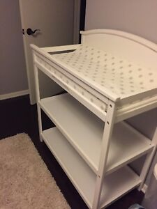 Like-new white change table