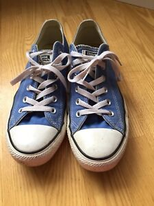 Women's converse all star size 9. Have been worn