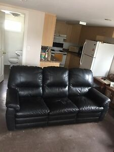Leather Couch (Black)
