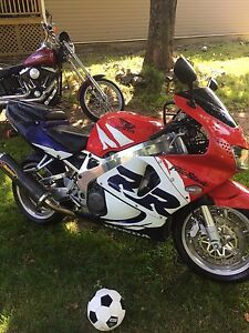 99 Honda CBR 900 RR $2800 or partial trade speed boat