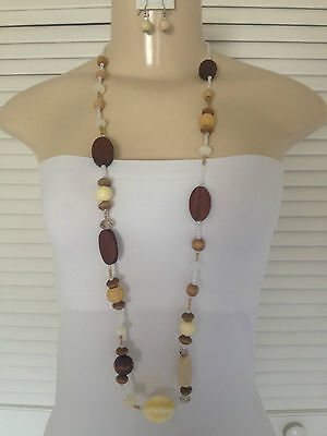 "BROWN/CREAM/TAN WOOD & ACRYLIC BEADS BEADED NECKLACE EARRING SET 38"" LONG"