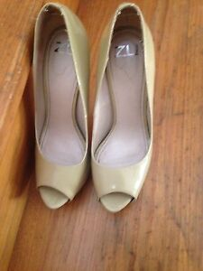 Patent leather Nude Heels size 9 Deakin South Canberra Preview