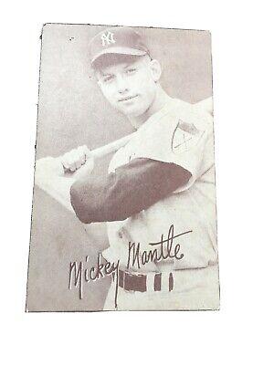 MICKEY MANTLE 1947 66 EXHIBIT CARD,Batting NEW YORK YANKEES HOF, White Outline