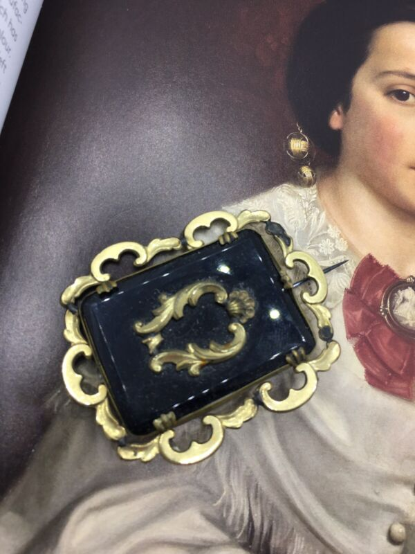 Stunning Antique Victorian Pinchbeck Brooch Black French Jet Glass