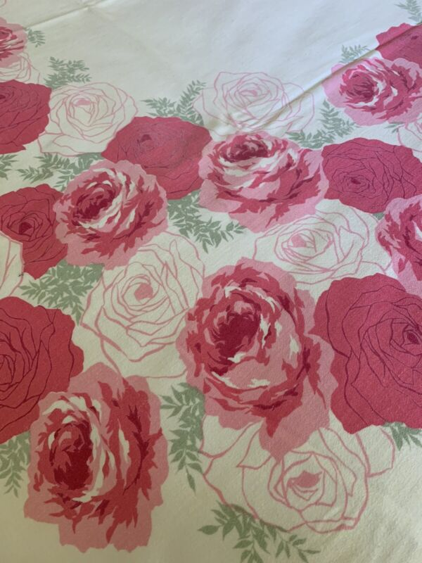 Gorgeous Cabbage Roses Vintage Printed COTTON Floral TABLECLOTH ~ 50x 64 Exc