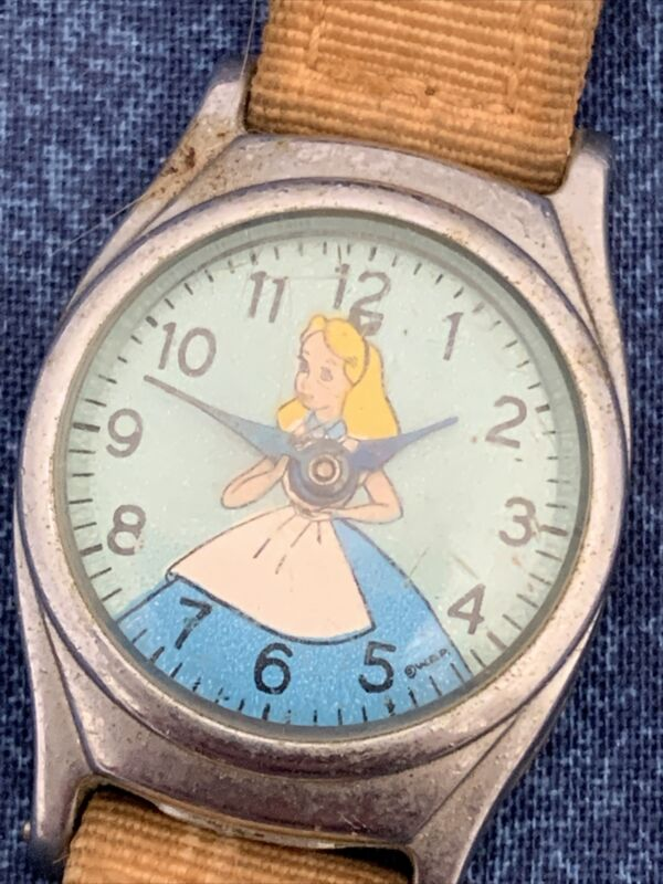 Vintage Timex Alice In Wonderland O6 L95 Watch Makers Special W277