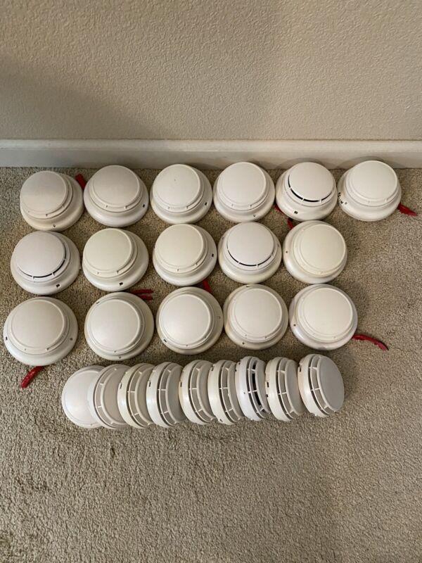 25/Simplex 4098-9714 Fire Alarm Smoke Detector Heads;16/4098-9792 Base. USED