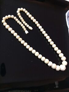 Antique and vintage jewelry necklaces
