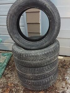 215/65R17 Michelin X-ICE
