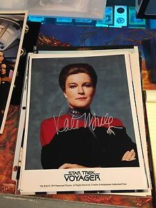 Star Trek Voyager Captain Janeway Kate Mulgrew Autograph