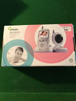 Baby monitor. Oricom secure 700 video baby monitor