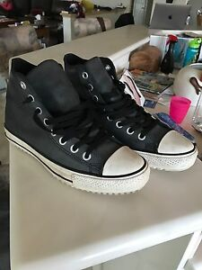 Converse winter shoes waterproof black size 10.5 thinsulate