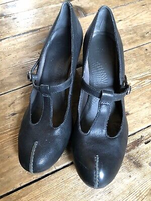 Clarks Shoes Ladies Size 5(38) - Good Condition