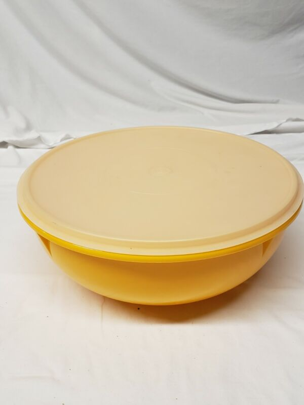 "Tupperware Large Yellow/Orange Fix N Mix Bowl 274-5 with Lid popcorn 13"" kitchen"