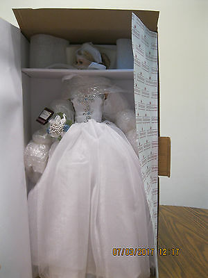 "Gorgeous-""HAPPILY EVER AFTER BRIDE DOLL-Cindy McClure-Ashton-Drake-Porc. NRFB"