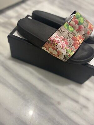 Gucci BLOOM SLIDES SLIPPERS Size 9 US Women's Rubber Sandal