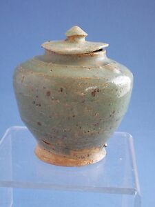 Tang Dynasty Green Glazed Pot