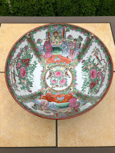 """Excellent Antique Chinese Rose Medallion Large & Heavy 14"""" Bowl"""