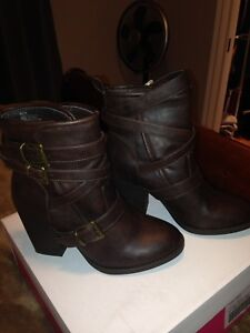 Women's Just Fab Raelyn ankle boot size 8 worn once