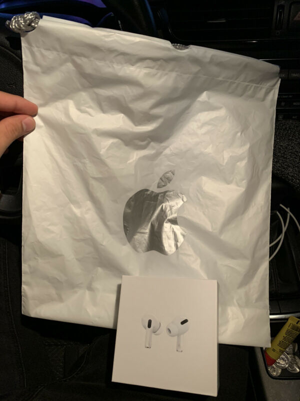 Apple AirPods Pro BRAND NEW NEVER USED. VERIFIED AUTHENTIC