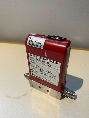 Stec Sec-4400m Mass Flow Controller Gas N2 200 Sccm Mfg No. 242302256