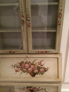 Beautiful French style cabinet Picton Wollondilly Area Preview
