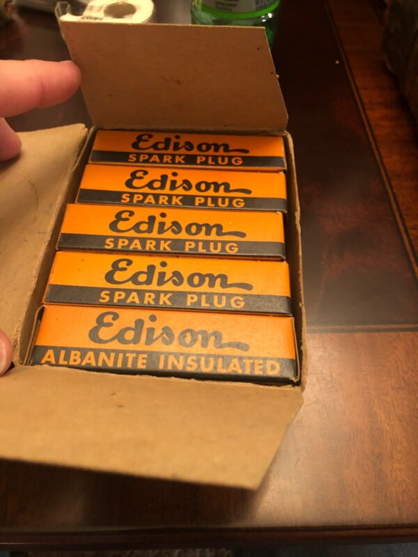 NOS EDISON SPARK Plugs Box of 10, HC-42Albanite Insulated New Old Stock Orig Box
