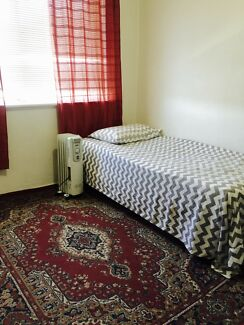 Furnished Room available in Brunswick For Female