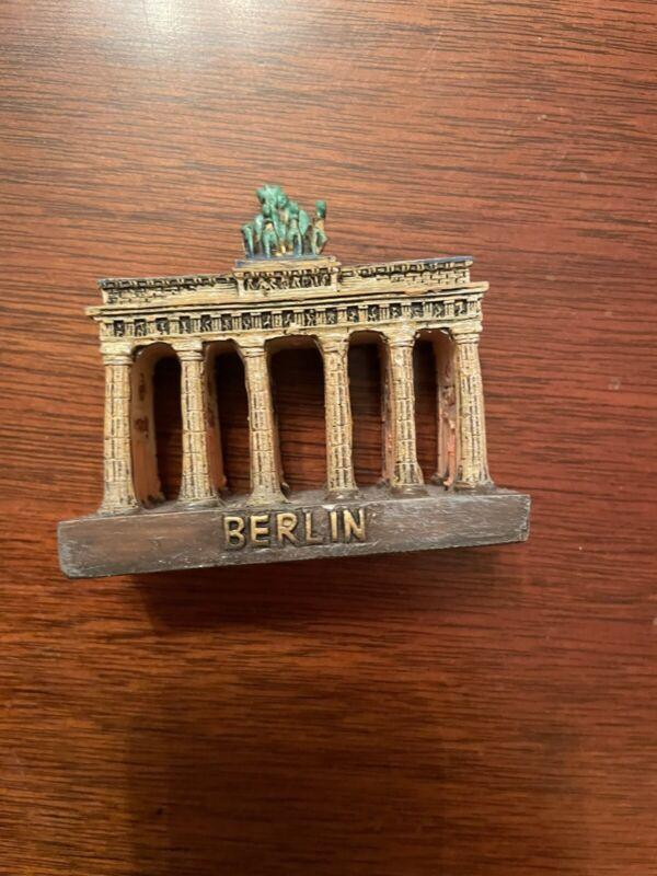 VTG 1960's Berlin Brandenburg Gate Metal  Architectural  Model  Souvenir Germany