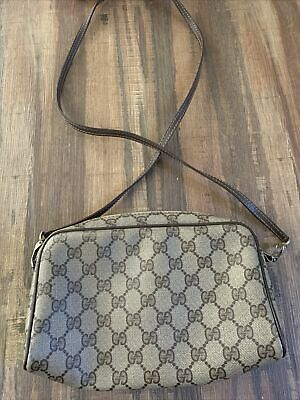 Mint Vintage Gucci GG Crossbody Bag 9x7