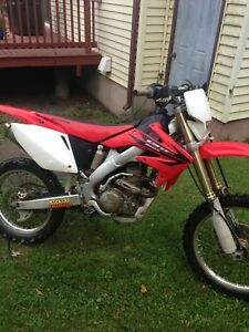 Crf250x with blue papers