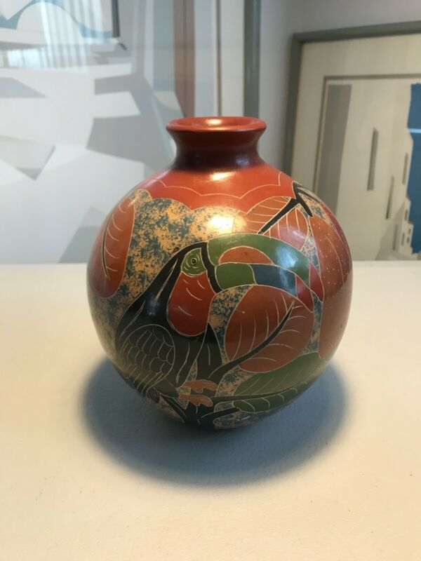 VINTAGE FOLK ART ANIMAL THEMED POTTERY VASE COSTA RICA 6.5""