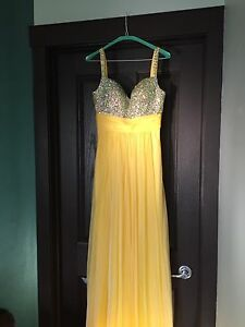 Yellow grad dress