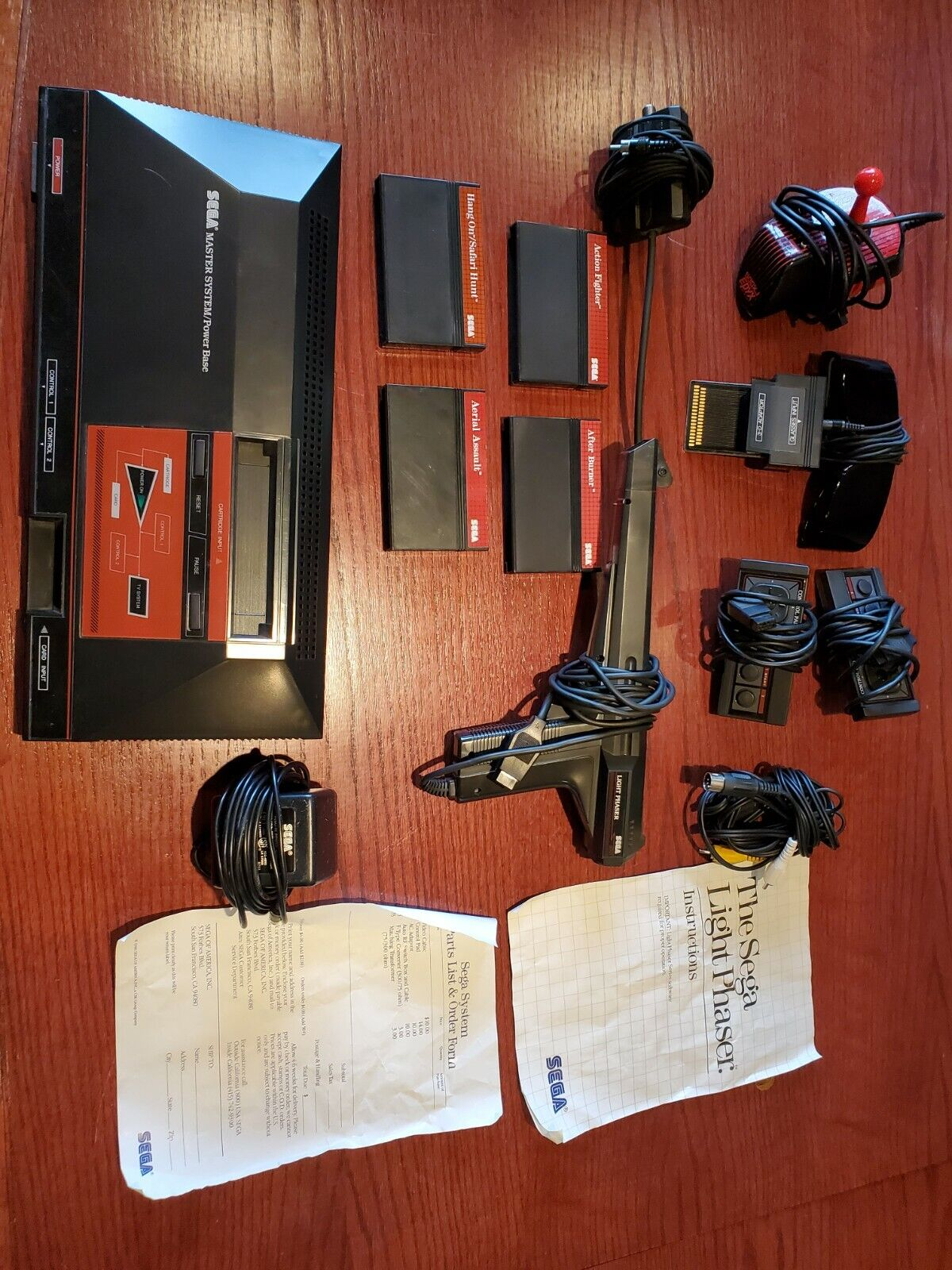 sega master system lot, console, controllers, gun, 3D glasses, connectors,games