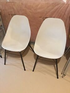 Sam Avedon white painted vintage chairs x2