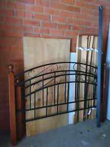 Solid wood queen bed frame $150 Engadine Sutherland Area Preview