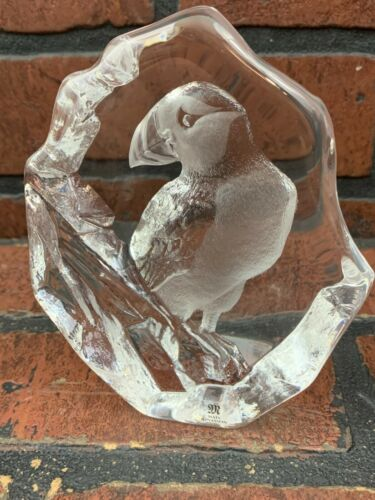 Mats Jonasson Full Lead Crystal Puffin Signed and numbered Paperweight