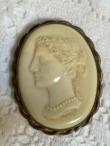 a lovely vintage large celluloid cameo brooch pin