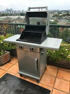 Compact 2 Burner BBQ Ideal for Balcony Use in Excellent Condition Erskineville Inner Sydney Preview