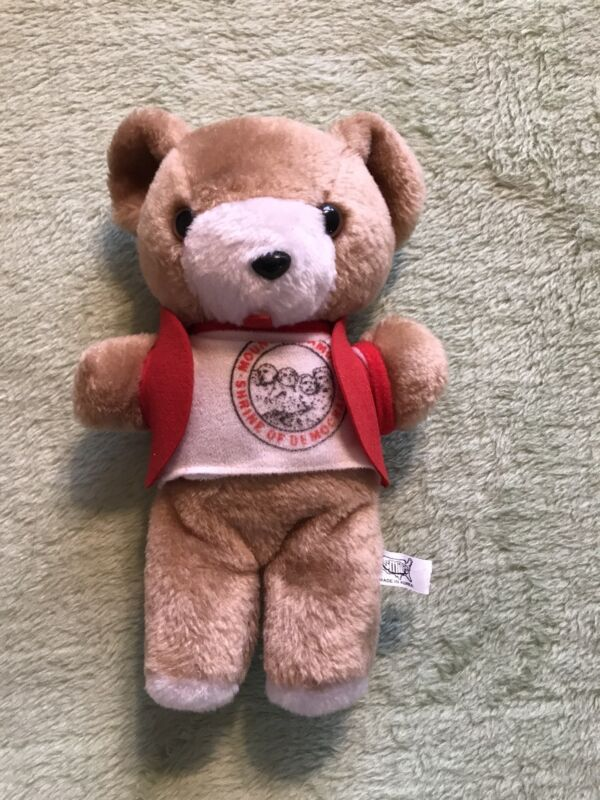 "Vintage Mount Mt. Rushmore SHRINE OF DEMOCRACY 9""Plush Bear Smiles 1980's toy"