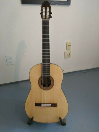 2019 Robert E Thompson classical guitar