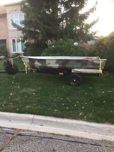 12' Aluminum Fishing/Hunting Boat