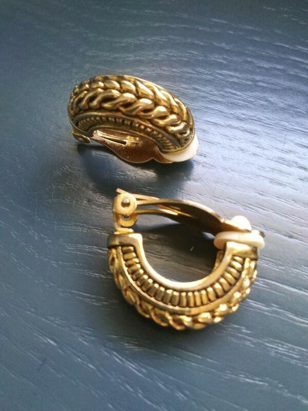 Vintage Gold Tone Rope Design Half Hoop Clip-On Earrings. O10021
