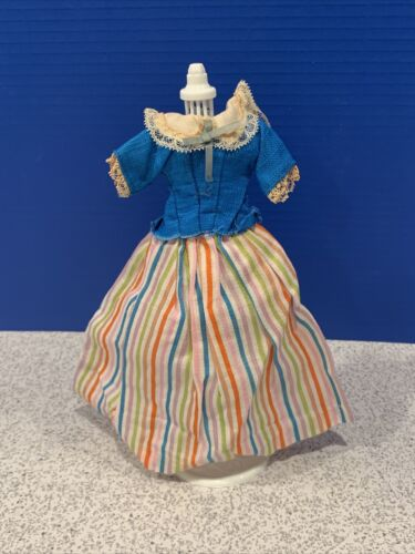 1964 Barbie Little Theatre 0823 BARBIE IN HOLLAND Fashion BLOUSE SKIRT  - $16.45