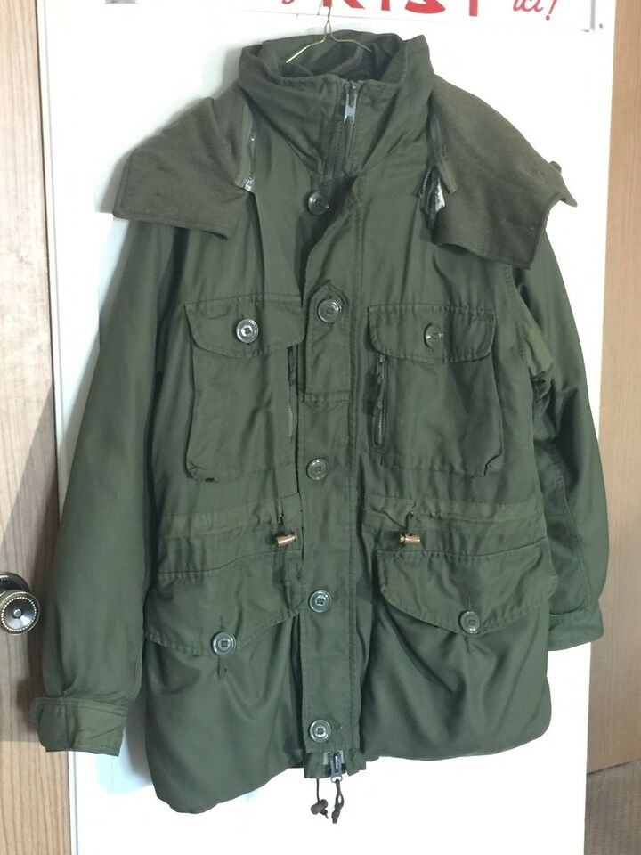 Canadian Army Winter Parka Size Large Fishing Camping Outdoors