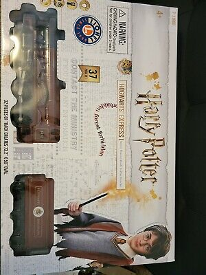 - NEW IN BOX - Hogwarts Express Ready To Play Train Set 7-11960