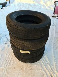 michelin 225 65 r17 snow tires tires rims guelph kijiji. Black Bedroom Furniture Sets. Home Design Ideas