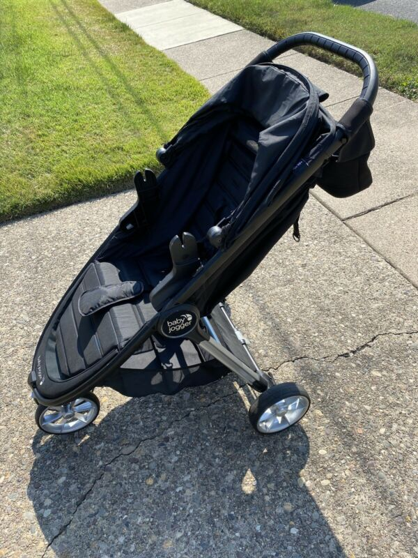 Baby Jogger City Mini 2 Travel System With 2 Car Bases Plus Extras